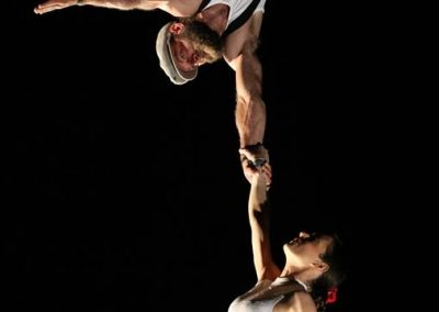 Sandrine et Verzi – Duo de trapèze aérien